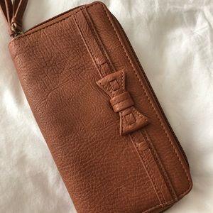 Jessica Simpson wallet ✨
